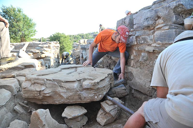 excavating Corridor 10, Zominthos Week 2.